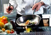 راهنمای-استفاده-از-ظروف-استیل-در-آشپزخانه